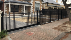 Level Top Melrose Spear Fencing and Sliding Gate